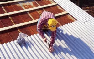 Ремонт шиферной крыши своими руками можно сделать в весьма короткие сроки