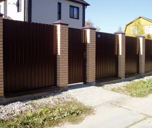 как строить забор из профлиста