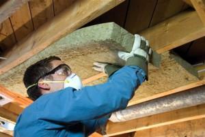 Утепление крыши бани минеральной ватой требует слоя пароизоляции