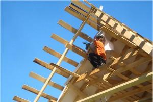 Крыши отличаются по материалам, из которого выполняются, по типу конструкции и по геометрической форме.
