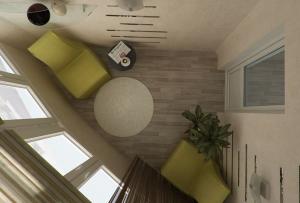 Отделка балкона подразумевает для начала его утепление, разумеется это касается застекленных конструкций