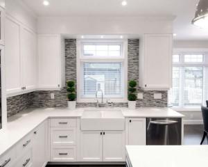 Тип оформления помещения, когда отделка стен, предметы мебели и дизайна подбираются в одной цветовой гамме.
