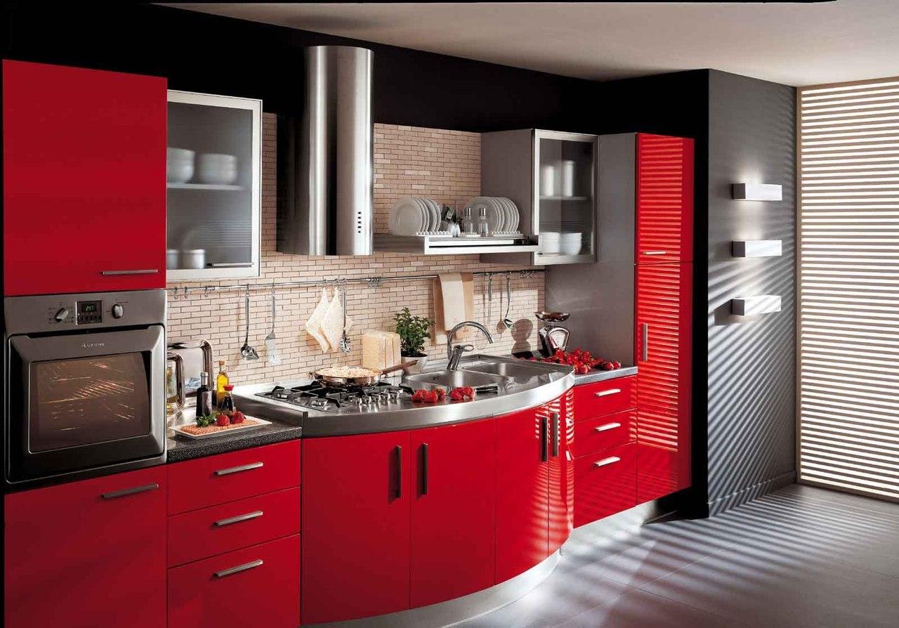 Дизайн кухни должен отвечать очень многим требованиям.