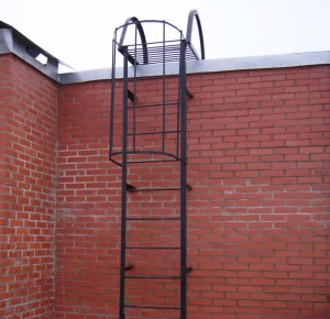 Эта лестница предназначена для использования в чрезвычайных ситуациях.