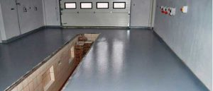 Стены можно выложить керамической плиткой, обшить вагонка ПВХ или отштукатурить.