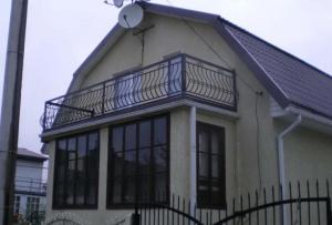 Веранда с балконом