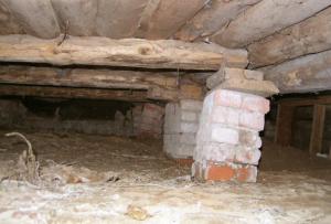 Вам понадобятся домкраты, материалы для опалубки, бетономешалка, песок, цемент, щебень