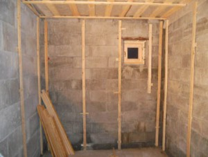 Решить эту проблему может одна вещь – грамотная отделка бани из газобетона внутри помещения