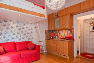 иначе дизайн в однокомнатной квартире будет выглядеть просто-напросто безвкусным и нелепым.