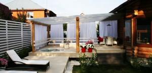 Дачный домик с террасой – потрясающее зрелище