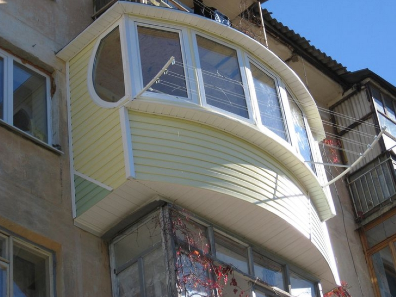 Отделка балкона снаружи..