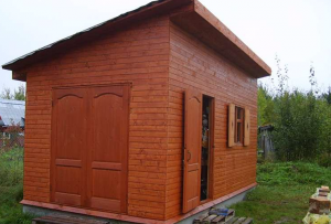 Что бы ответить себе на вопрос, как построить сарай, можете вспомнить о том, как мы сколачивали дачный туалет.