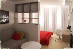 Вопрос о том, как разделить комнату на две комнаты, более актуален для однокомнатных квартир