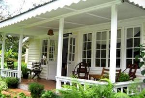А если еще задуматься о том, как украсить веранду, можно получить полноценный гармоничный дом с зоной отдыха