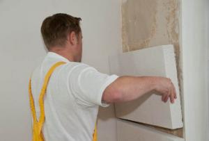 Что бы определиться, как утеплить стены изнутри, достаточно выбрать ценовую категорию материала