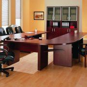 Красивая и удобная мебель для персонала в офисе – один из факторов успешной работы
