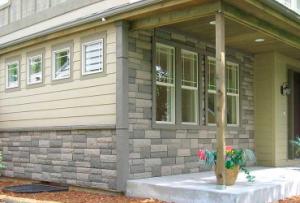 Если Вы располагаете идеально ровной поверхностью, то отделка фасада панелями может быть произведена прямо на стену