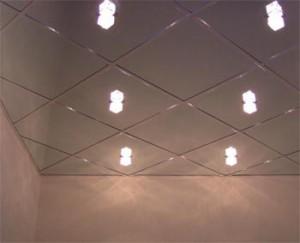 Отделка потолка панелями – плюсы