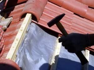 Ремонт крыши дачного дома – это очень кропотливый и нелегкий труд, если Вы понимаете, что нуждаетесь в замене кровельного покрытия, лучше обратить свое внимание на новые, высокотехнологичные аналоги