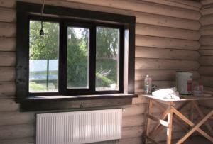 Делать ремонт окон деревянных своими руками есть смысл, когда рама не сгнила