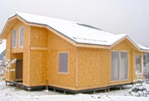 Чаще всего, компания, которая осуществляет строительство из СИП панелей, предлагает услуги по отделке таких домов.