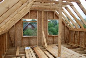 Строительство недорогих домов сейчас возможно и через подрядчиков