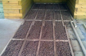 Утепление потолка керамзитом – минусы материала