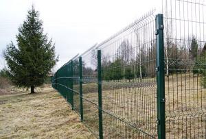 велика вероятность, что это окажется значительно дешевле, чем покупать забор из сварной сетки в маленьком городе